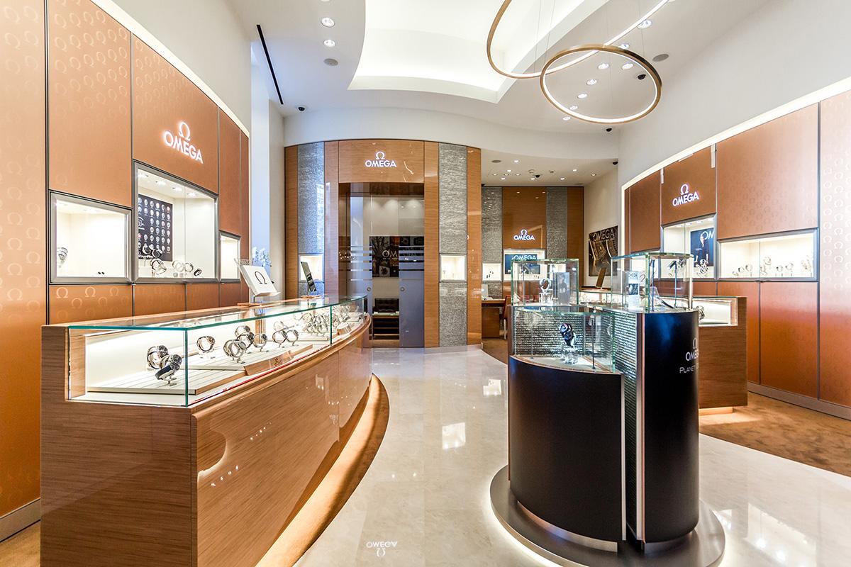 habillage en bois d'une boutique d'horlogerie de luxe