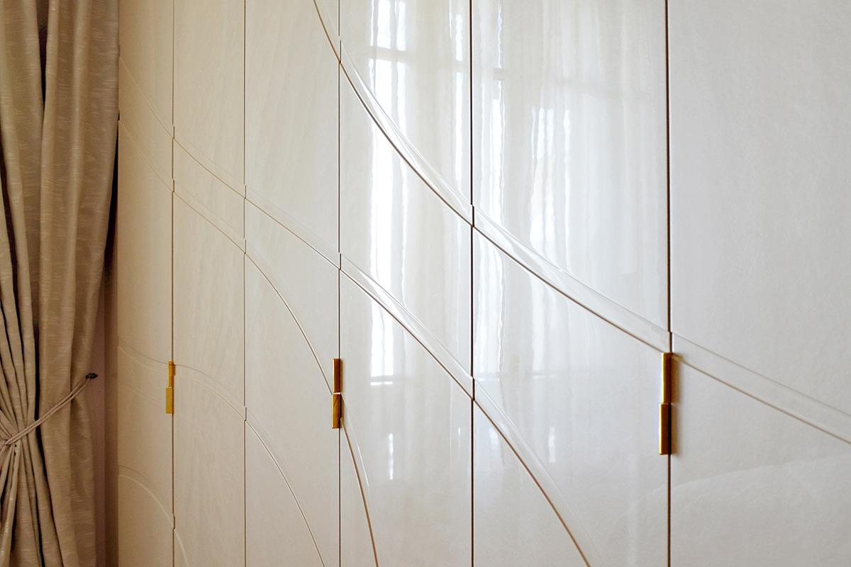 portes de placards avec bois laqué pailleté