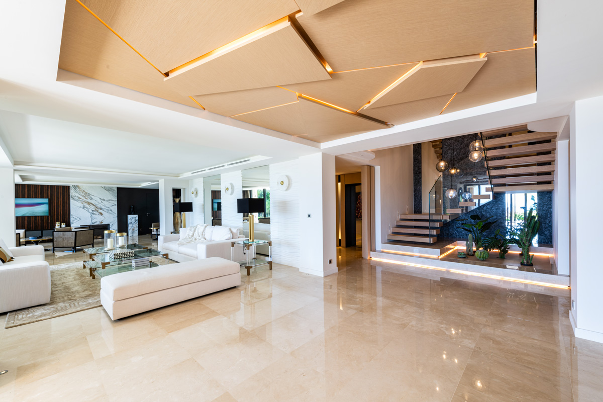 plafond et escalier